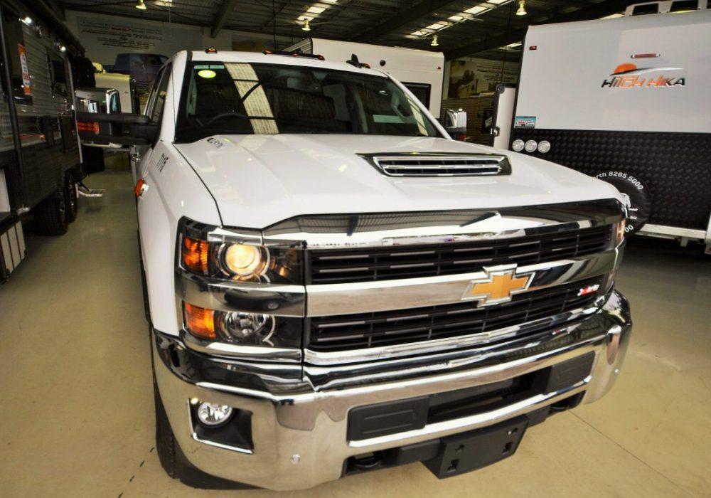 Chevrolet Silverado-02.jpg