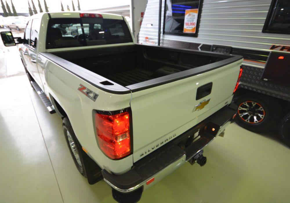 Chevrolet Silverado-05.jpg