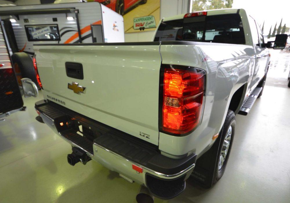 Chevrolet Silverado-06.jpg