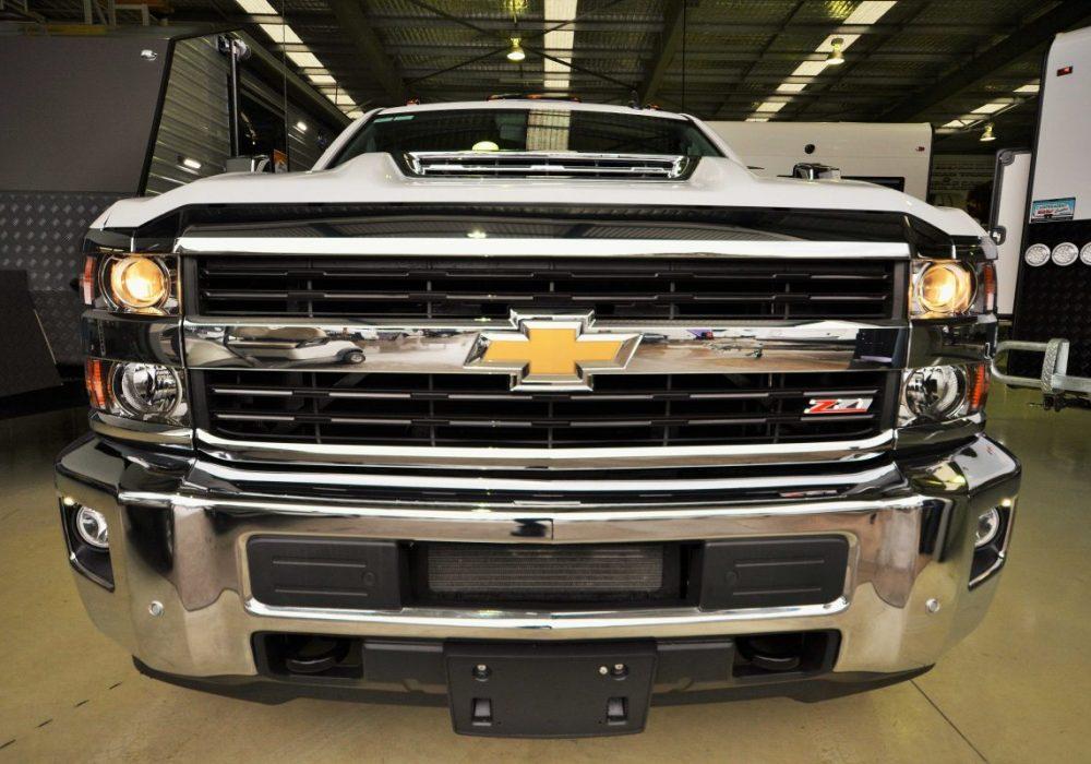 Chevrolet Silverado-10.jpg