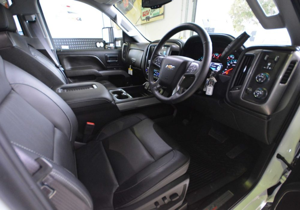 Chevrolet Silverado-11.jpg