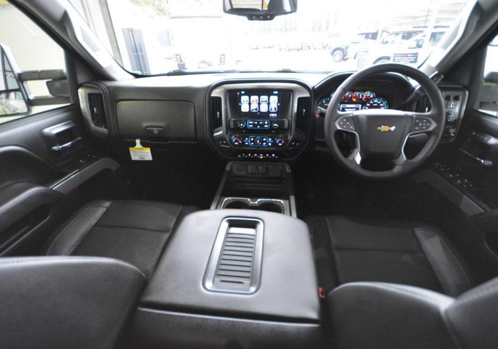 Chevrolet Silverado-14.jpg