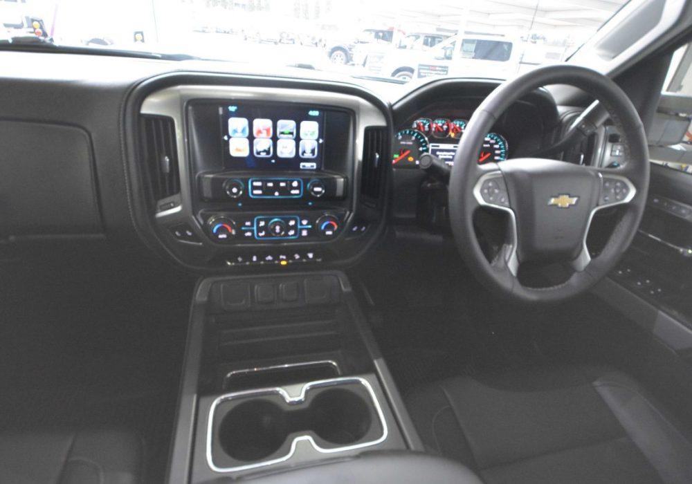 Chevrolet Silverado-15.jpg