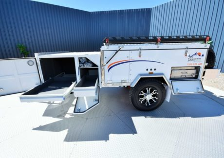 Signature Camper Trailers Elite White-08.jpg
