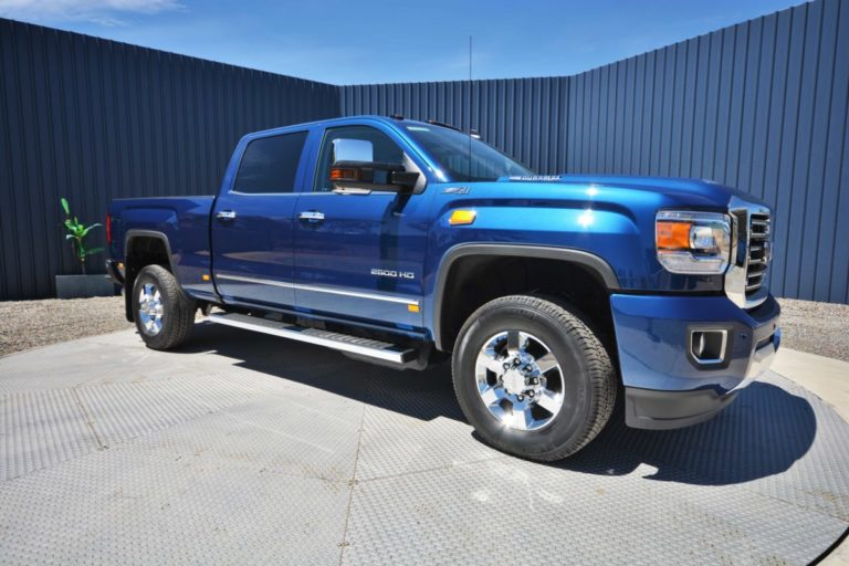 GMC Sierra 2500HD-01.jpg