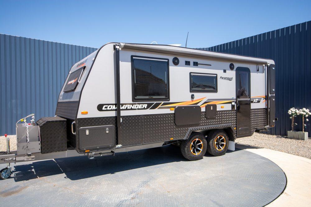 Paramount Commander XT #8577 Caravan